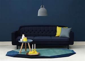 Canapé Bleu Marine : la couleur bleu marine dans la d co clemaroundthecorner blogd co ~ Teatrodelosmanantiales.com Idées de Décoration