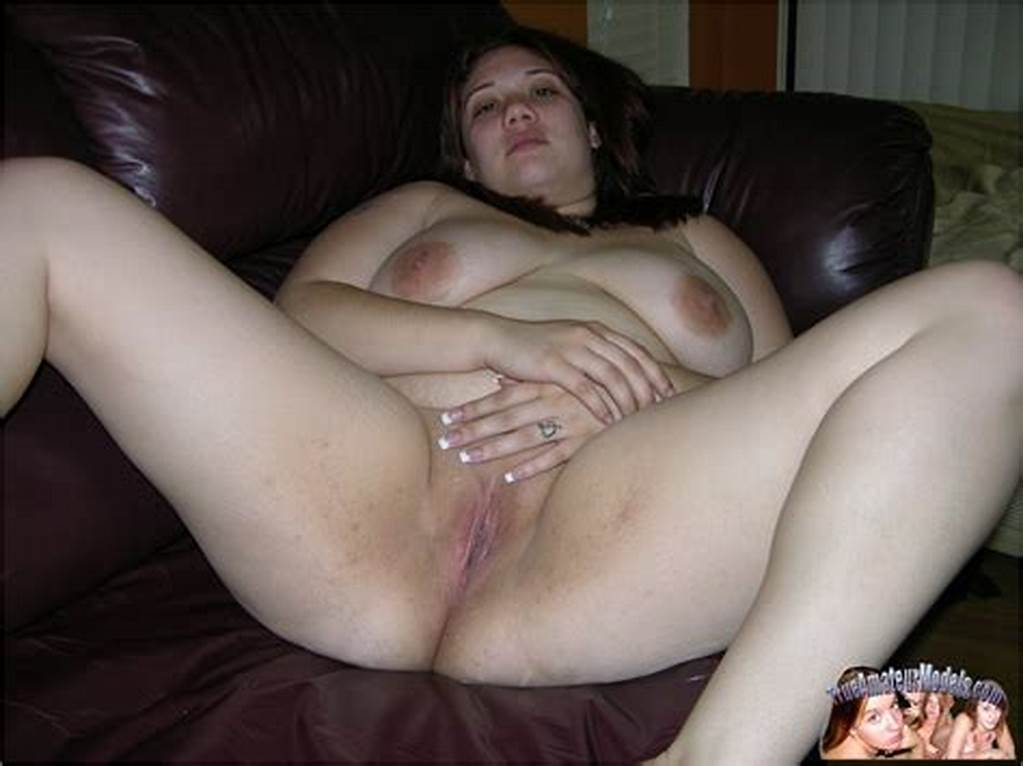 #Chubby #Amateur #Girl #Next #Door #Spreading #Nude