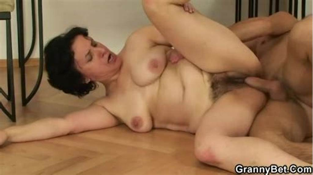 #Hairy #Mature #Cunt #Fucked #After #Blowjob