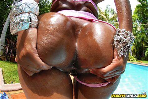 Bbw Superstar Cotton Candi Oiled And Banged By Pool