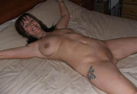 Solo Puss Grey Haired Amateur Masturbating
