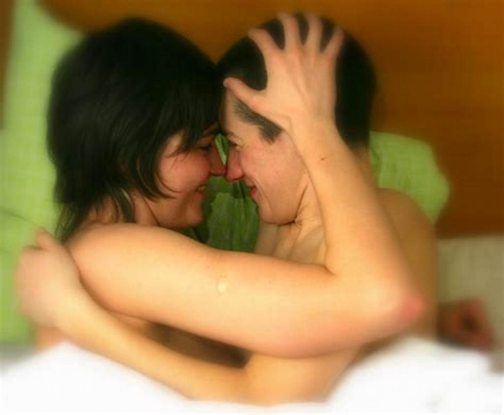 #Gay #Lez #Making #Love #In #Bed