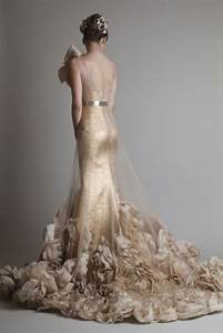 23 fabulous gold wedding dresses weddingomania With gold color wedding dress