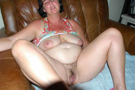 Bbw Schoolgirl Masturbates On Homemade