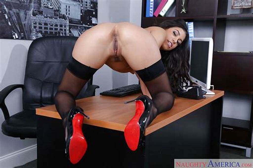 #Glasses #Adorned #Latina #Secretary #Veronica #Rodriguez