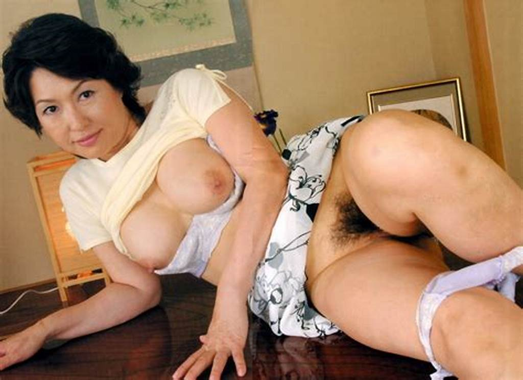 #Asian #Milf #Japanese #Mature #Moms #Orgasm