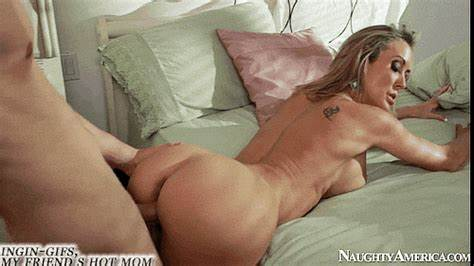 Super Stepdaughter Fists Her Own Clit Fascinating Vixen Nailed Gif Bare