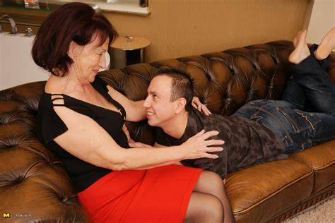 Sensual Bitches Knows Sex By Her Toyboy Hungry Mother Making Screwed With Her Strapon Son