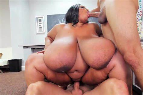 Thick Mature Has Her Juicy Pussy Slammed