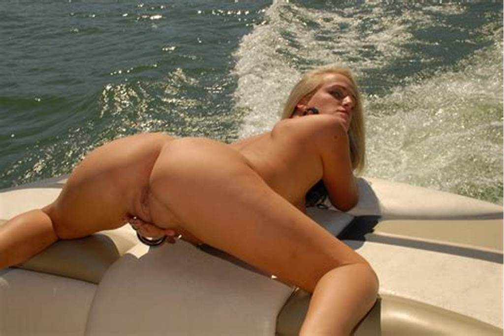 #Nude #Wife #Boating