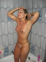 Amateur wife in the nude