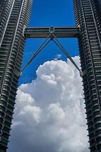 Torri Gemelle Klcc Di Petronas E Ponte Del Cielo Sopra