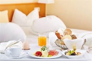 Frühstück Am Bett : fr hst ck im bett inselhotel faakersee oberaichwald holidaycheck k rnten sterreich ~ A.2002-acura-tl-radio.info Haus und Dekorationen