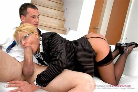 Comely Secretary Fucking By Boss With