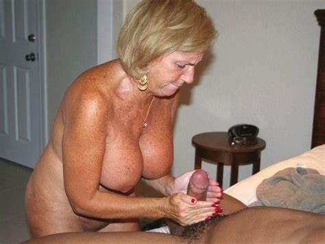 Red Haired Homemade Sultry Mature Handjob