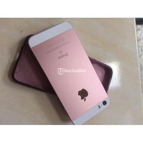 Penggunaan warna gold pada hunian memang terkesan jarang dipakai. HP Iphone 5 SE Bekas Warna Rose Gold 16GB Normal Baterai ...