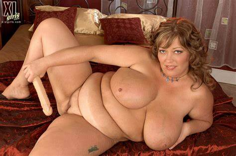 Solo Dicked Of Obese Milf