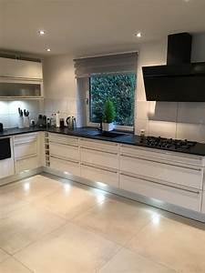 Granitplatten Küche Farben : best granit arbeitsplatten k che contemporary new home ~ Michelbontemps.com Haus und Dekorationen