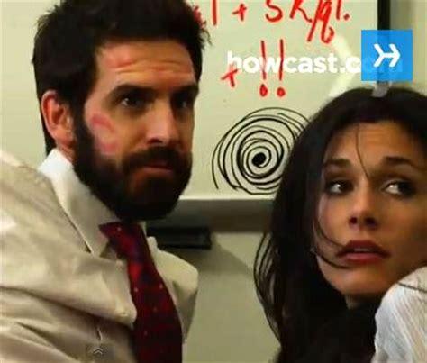 faire l amour au bureau comment faire l 39 amour au travail sans se faire choper