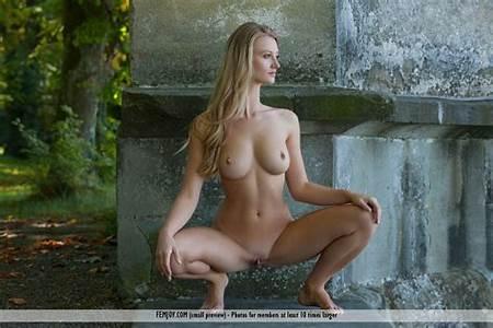 16 Nude Teen Models
