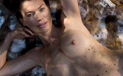 Carre Otis Absolutely Topless Scenes