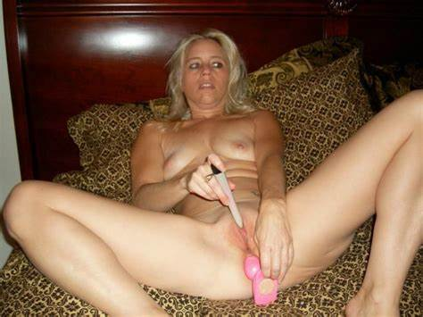 Me Hole Ohmibod Masturbates On Amateurs