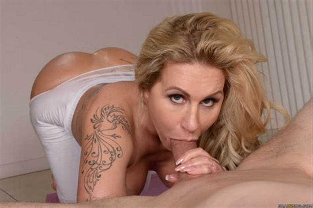 #Sexy #Milf #Thick #Ass #Looks #Amazing #As #She #Gets #Pounded