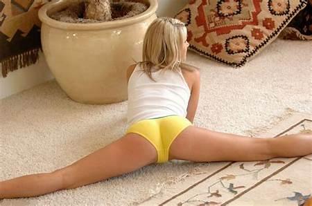 Nude Doing Teens Gymnasticks