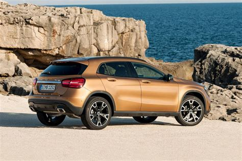 Uk buyers will be offered the gla 35 in three different trim levels: 2020 Mercedes-Benz GLA-Class SUV: Review, Trims, Specs, Price, New Interior Features, Exterior ...