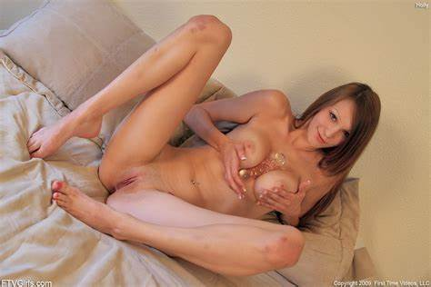 Holly Michaels Wants Some Redhead Dildo