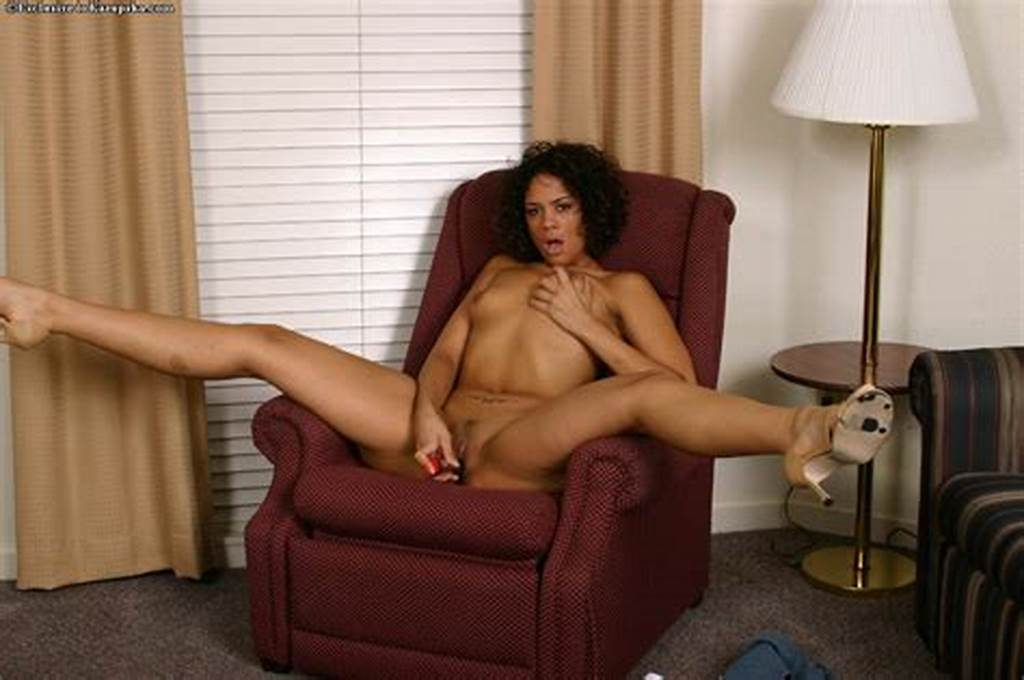 #Curly #Chocolate #Skinned #Babe #Courtney #Devine #Gets #Naked