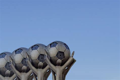 بطولة امم اوروبا هي البطولة الرئيسية للمنتخبات في القارة العجوز، ويستطيع المشاركة بها جميع المنتخبات التابعة للاتحادات المنضمة للاتحاد الأوروبي لكرة القدم (uefa)، وكانت. بطولة أمم أوروبا لكرة القدم - e3arabi - إي عربي