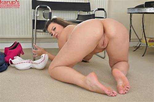 Schoolgirl Mature Young Taking Her Shaved Cunts