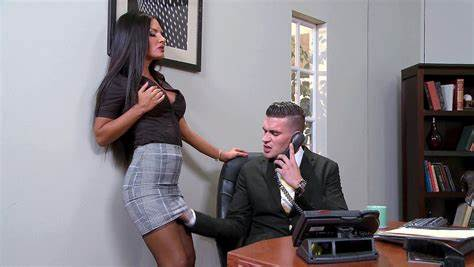 Boss Fucked Seduced By Teens Worker