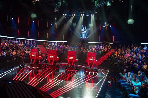 Тренер шоу Голос країни-6 Иван Дорн показал, как пишет ...