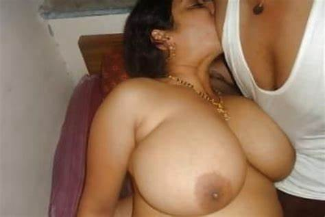 This Sizzling Wife Aunties Loving The Dicks