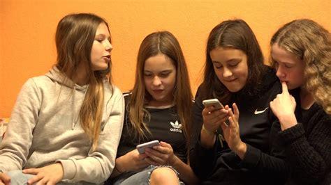 Skrundas mākslas skola atsāk sezonu - YouTube