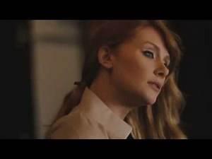 Behind the Scenes - Bryce Dallas Howard