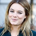 Camille Rowe Makeup